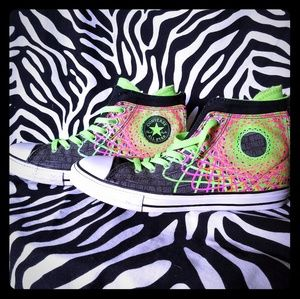 Neon back zip Converse hi-top